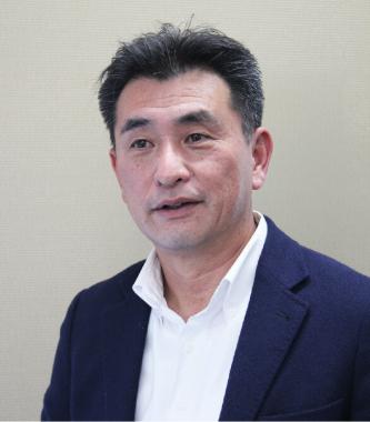 代表取締役社長 伊賀 裕之